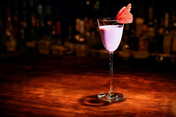 Strawberry Mousse Cocktail<br>イチゴムースのカクテル